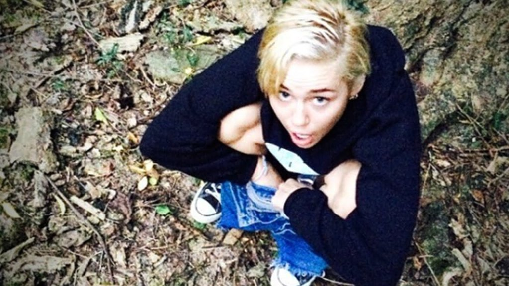 Miley cyrus peeing, swords and naked women