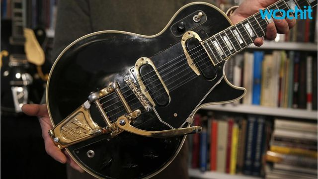 les paul 39 s prototype electric guitar to be sold inthefame. Black Bedroom Furniture Sets. Home Design Ideas