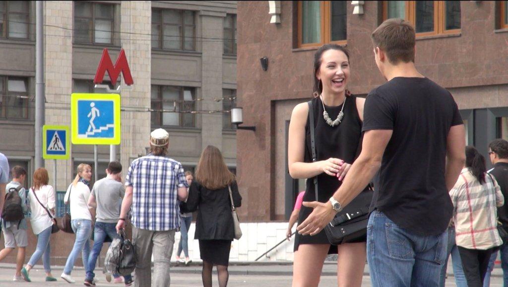 Русский девушки доминируют над парнями внешне