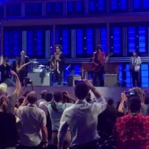 Lenny Kravitz prepares for DNC performance