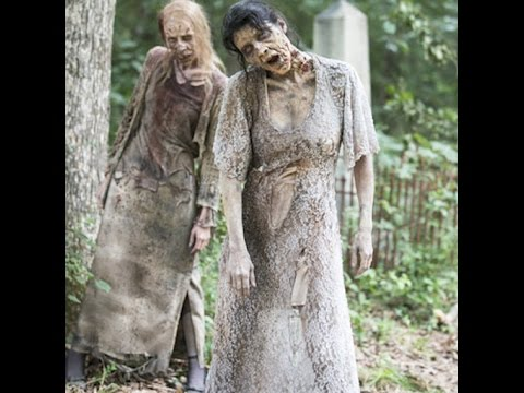 why does every female zombie on the walking dead wear this