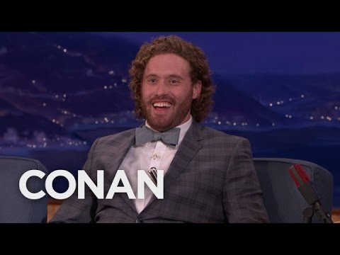 """T.J. Miller Tried To Explain """"Gorburger"""" To Al Gore  – CONAN on TBS"""