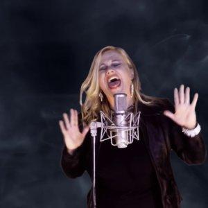 "Tiffany Gow – ""Broken"" Von Rocker Records – Official Music Video"