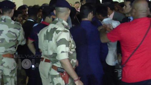 Ed Sheeran Reaches Mumbai Amidst Heavy Security | Ed Sheeran Mumbai Concert