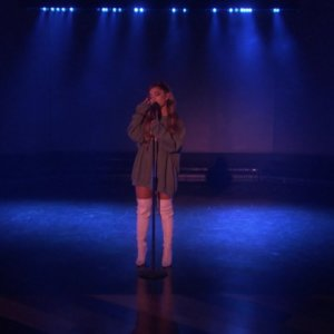 Ariana Grande – Breathin (Live on Ellen / 2018)