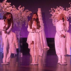 Ariana Grande – thank u, next (Live on Ellen / 2018)