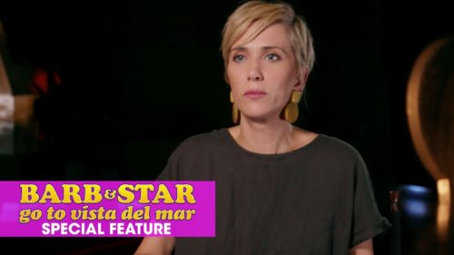 Kristen Wiig Naked, Goes Full Frontal In Welcome To Me
